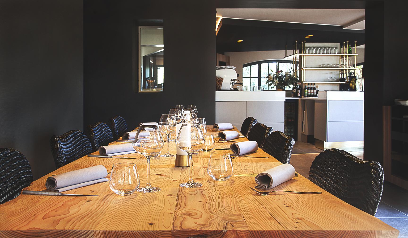 table d h te du restaurant le mas bottero aix en. Black Bedroom Furniture Sets. Home Design Ideas